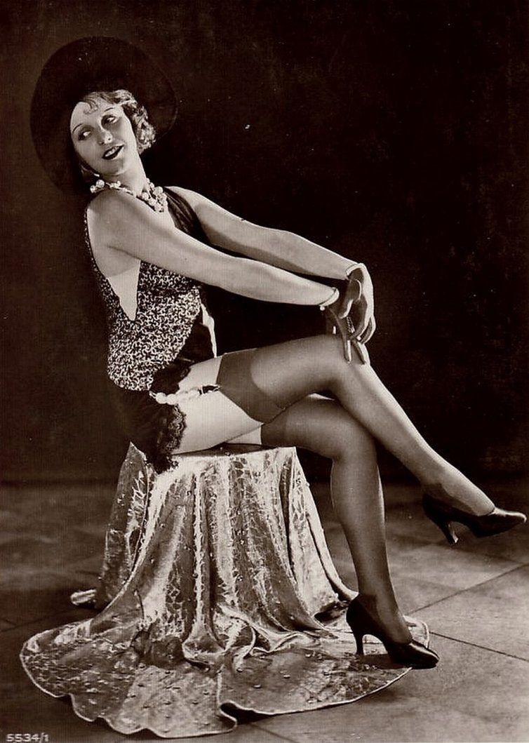 milie-dami-v-chulkah-retro