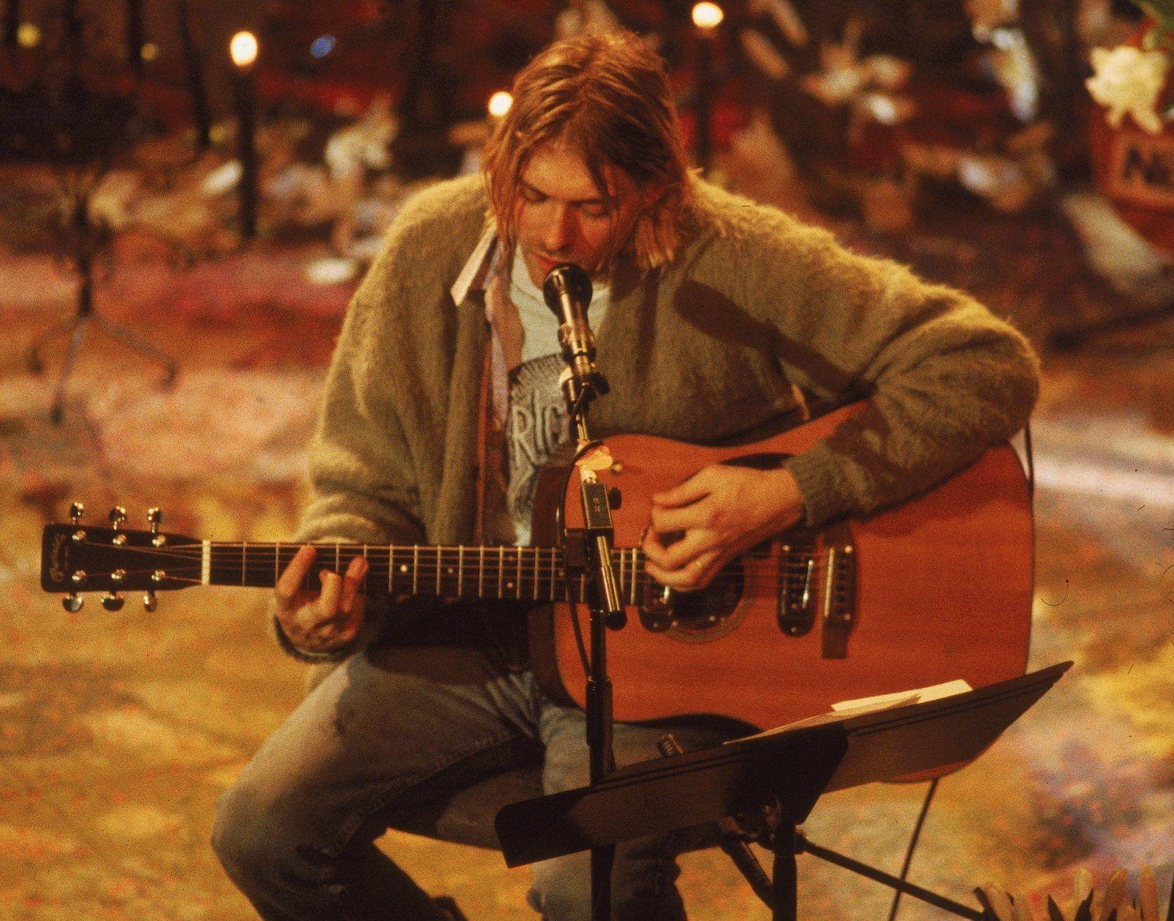 Finde sen Pin und vieles mehr auf Kurt Cobain von gbayerlein
