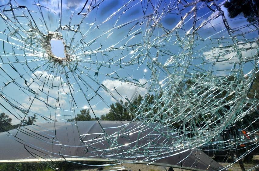 Broken windshield? We can fix that! AutoGlassAmerica