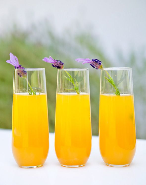 lavender bellini | For the lavender simple syrup:        1 cup water      3 tablespoons dried lavender      2 cups granulated sugar        For the bellini:        Lavender simple syrup      Chilled Champagne or sparkling wine      Chilled fresh peach juice