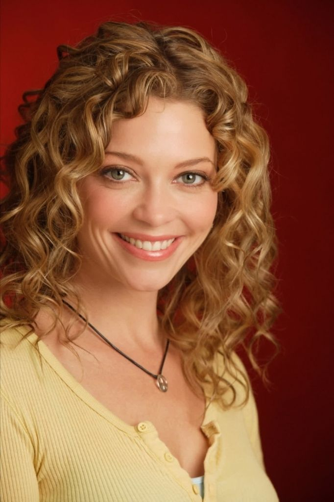 Layered Haircuts Curly Hair Women39s Hairstyles Layered Curly