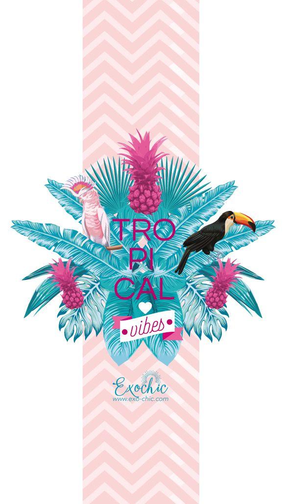 CALENDRIER FOND D'ÉCRAN AOÛT EXOCHIC sous le signe TROPICAL! Parées de vos plus belles plumes de perroquets et de toucan, rentrez dans la danse!