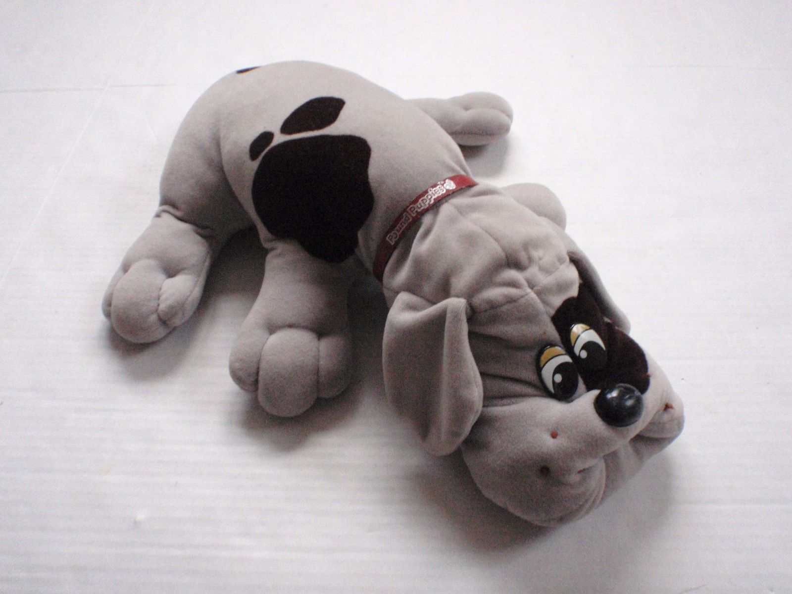 "Vintage 18"" 1985 Tonka Gray & Brown Pound Puppy With Original Red"