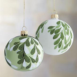 Mistletoe Ball Ornaments Christmas Ornaments To Make Gold Christmas Decorations Christmas Ornaments