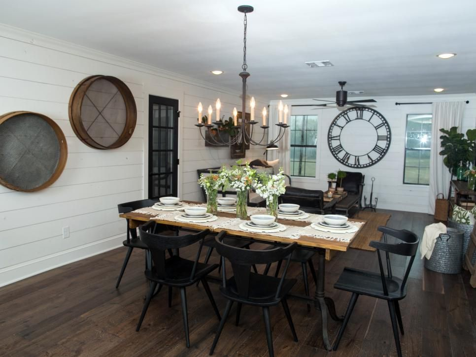 Fixer upper a very special house in the country for Fixer upper dining room ideas