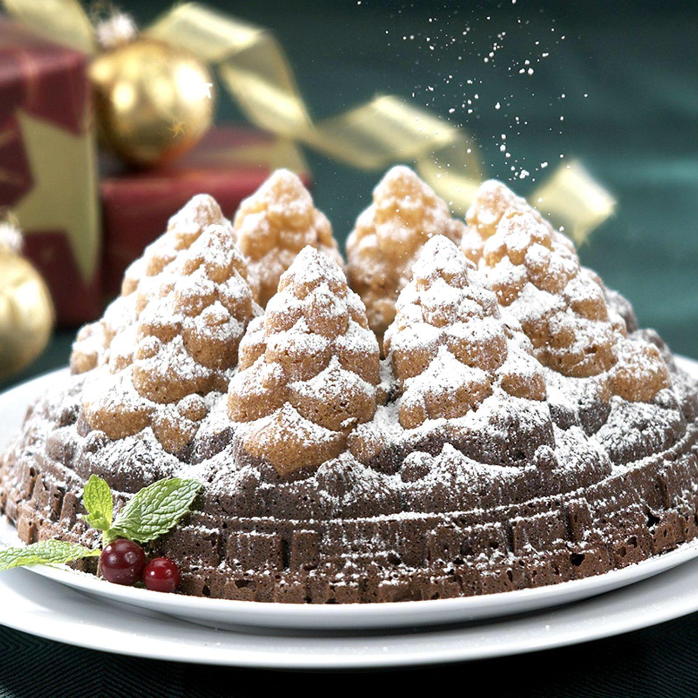 Nordic ware 57648 holiday christmas tree bundt cake pan