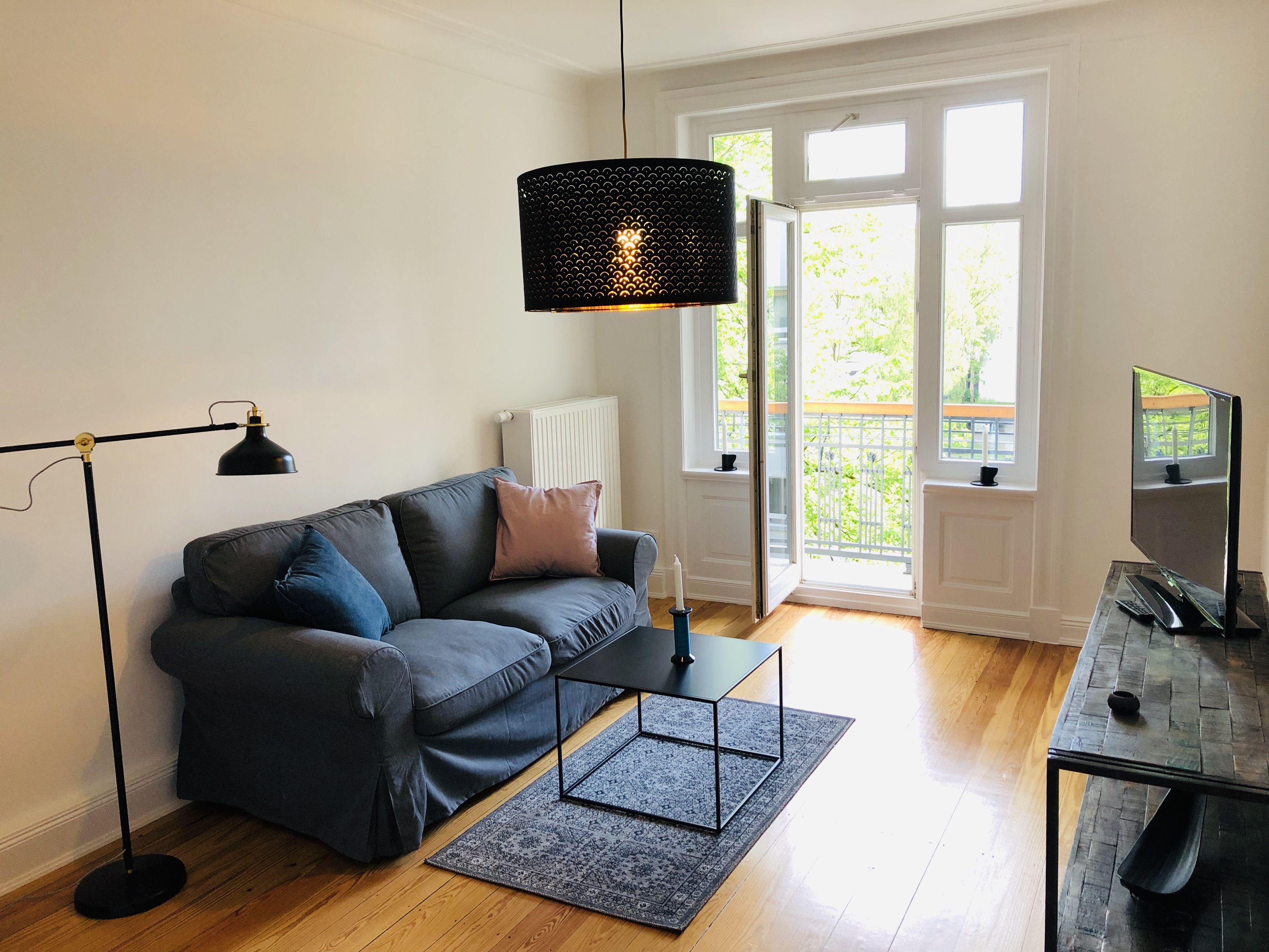 Schlichtes Gemutliches Wohnzimmer In Hamburg Gemutliches Wohnzimmer Wohnzimmer Gemutlich