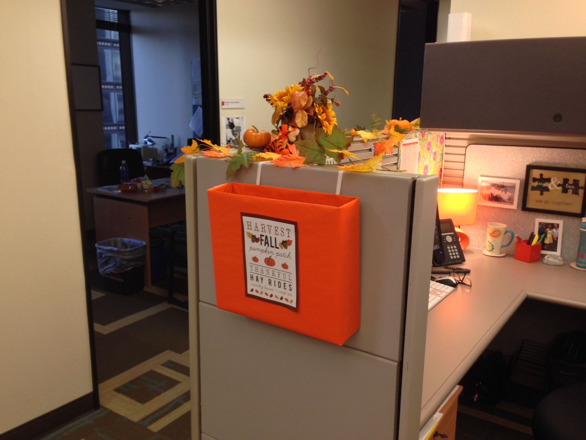Thanksgiving inbox outside my cubicle cubicle office How to decorate your office
