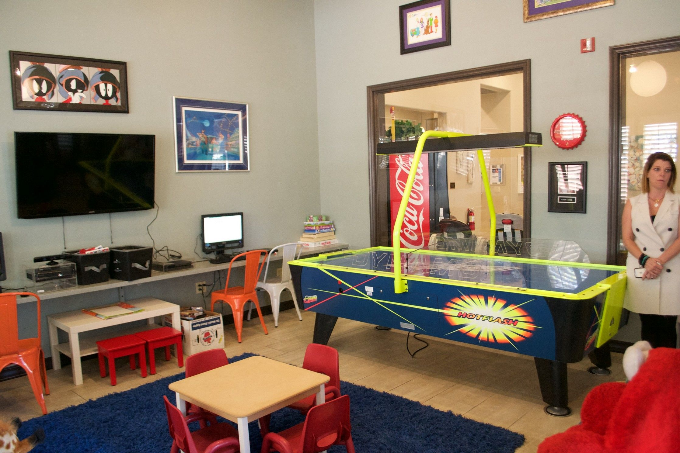 17 most popular video game room ideas feel the awesome for Good ideas for small rooms