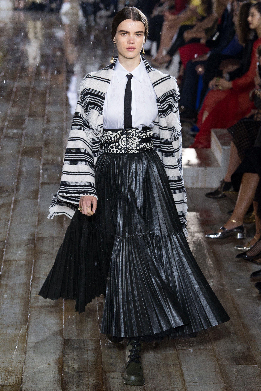 bcd40003f94f Christian Dior Resort 2019 Fashion Show | fashion 2019 | Fashion ...