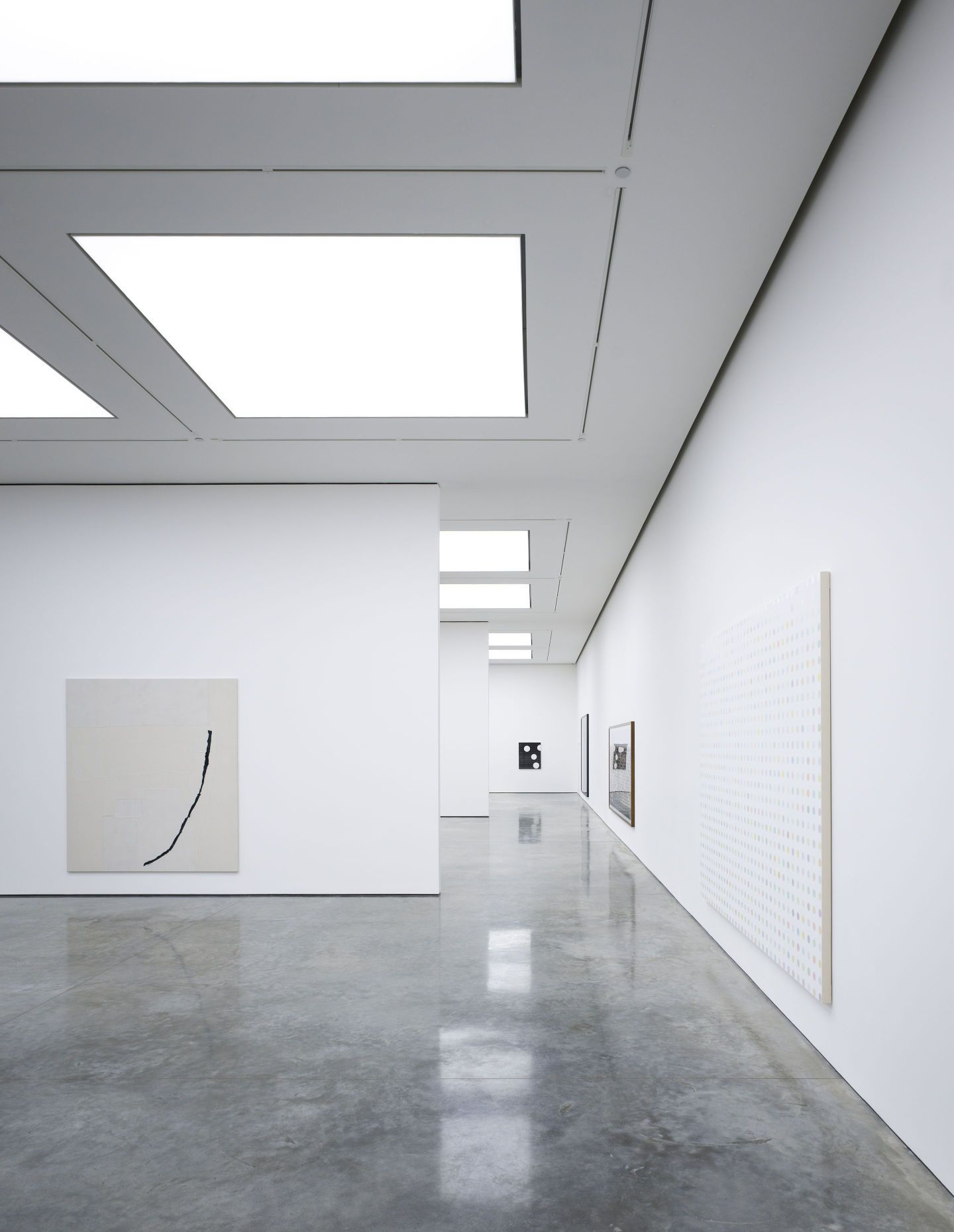Conversion and extension of an existing 1970 warehouse into a contemporary art gallery complex - Conversion ca en m2 ...