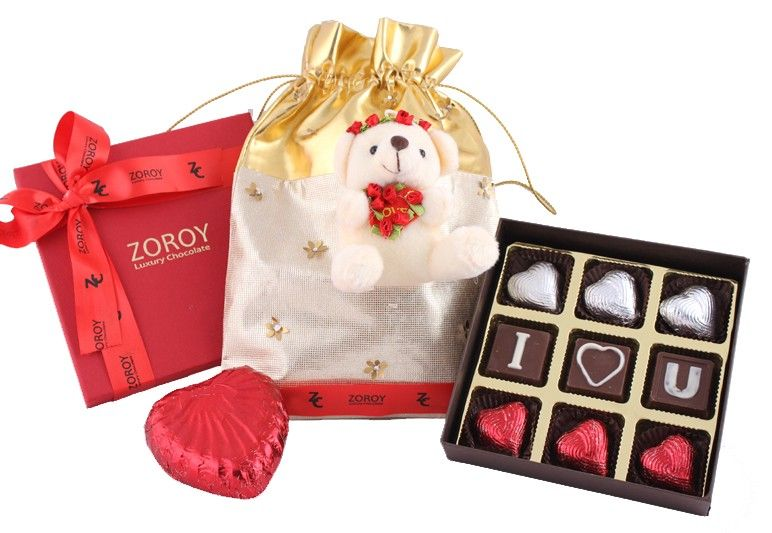 Love Bag Small With Chocolates And Big Milk Chocolate Heart