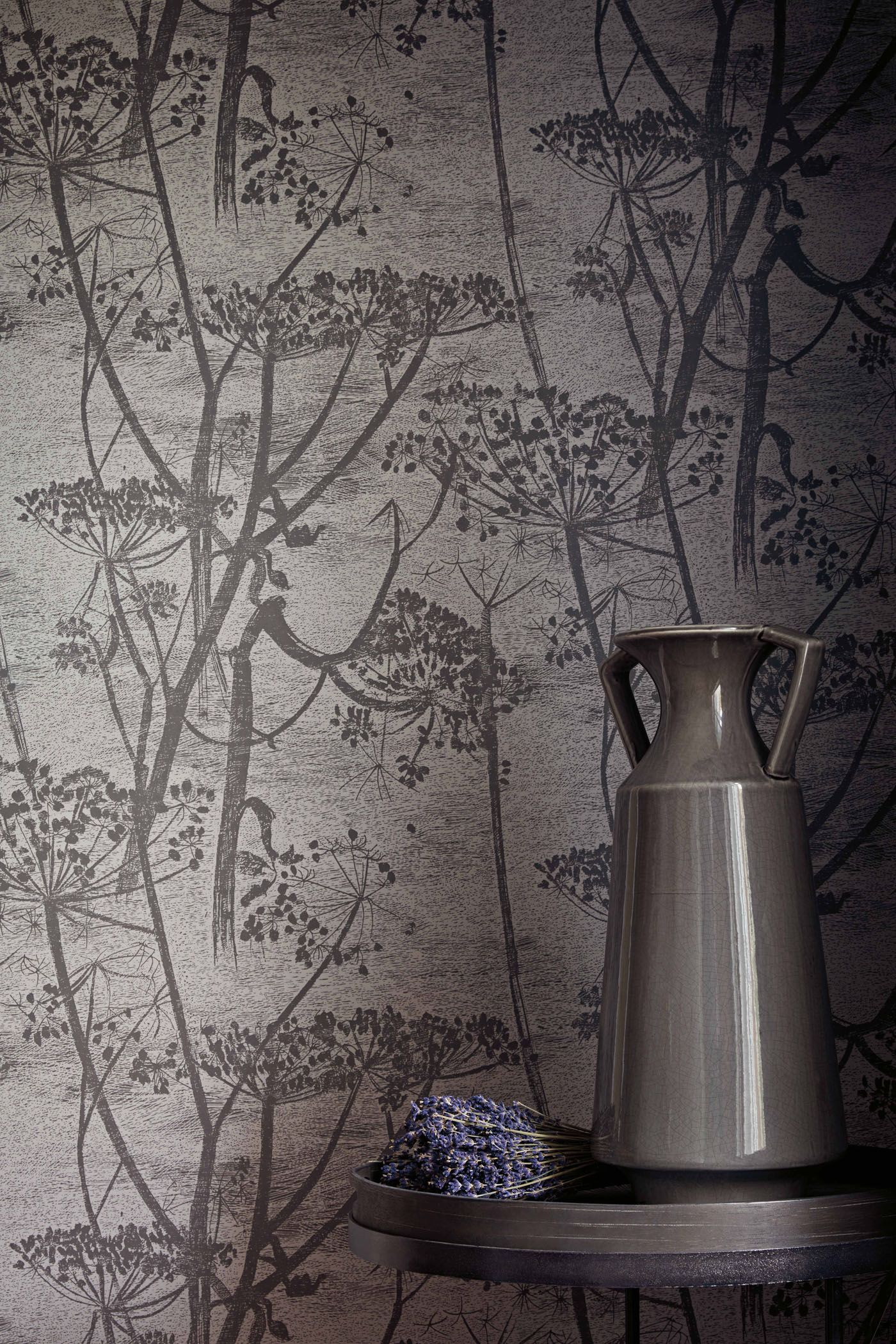 The now iconic Cow Parsley adds a pastoral ambiance to any