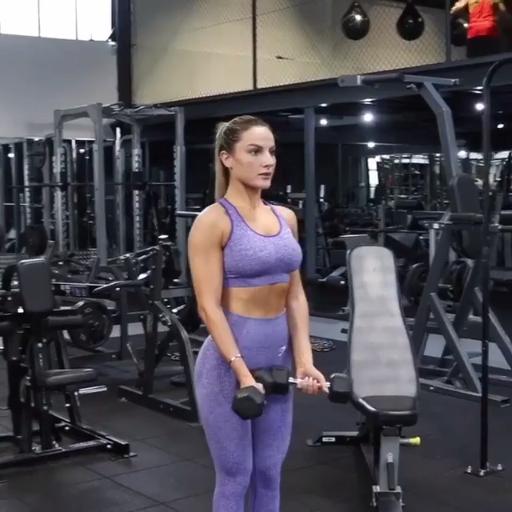 Photo of Gymshark Athlet, Krissy Cela trainiert ihren Oberkörper mit diesen All Around t …