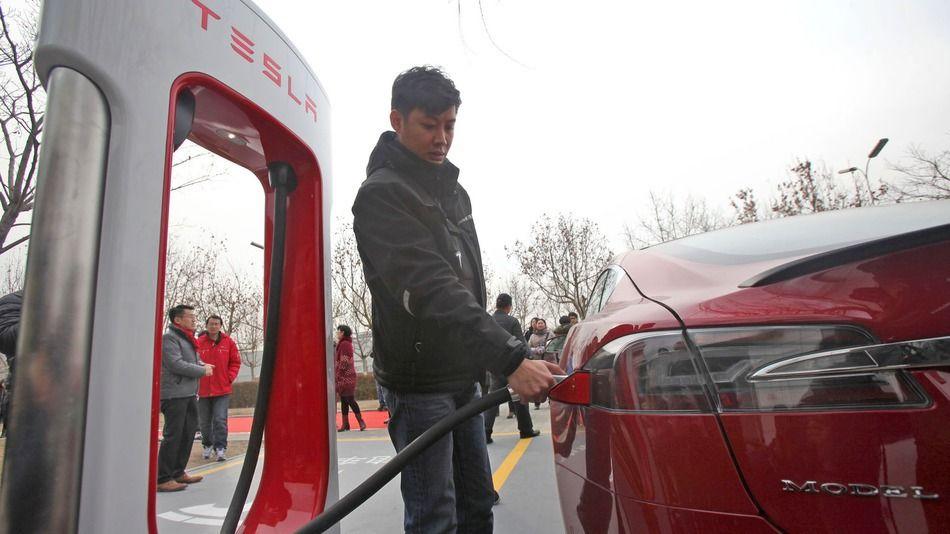 Tesla is installing rapid charging stations in Manhattan