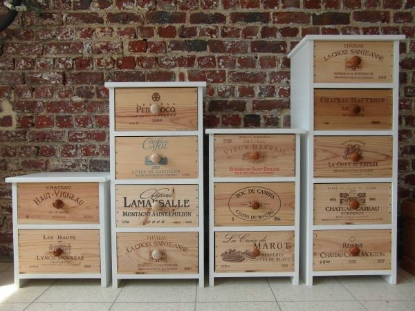 Meubles Realises A Partir De Caisses De Vin Den