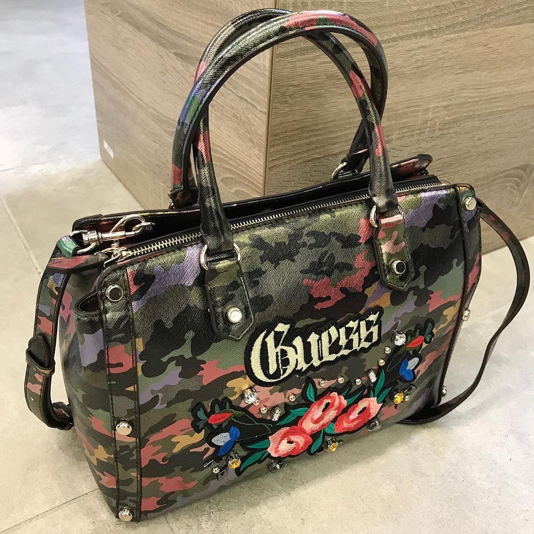 Nieuwe  Guess  tas bij  HermanSchoenen  DenHaag en online op   HermanSchoenenNL  GuessByMarciano  Herman  Fashion  Bags  bag  tassen   newcollection  camo ... b9722460da