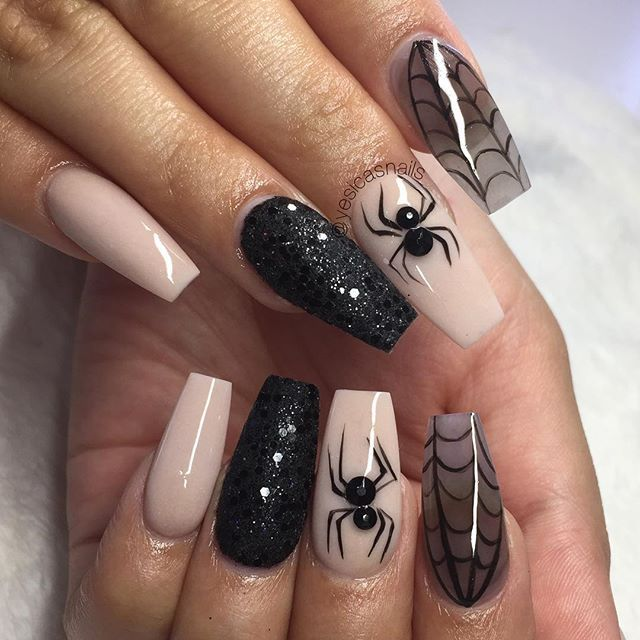 43 Gorgeous Nail Art Designs You Can Try This Fall Halloween Nails Easy Cute Halloween Nails Halloween Nail Designs