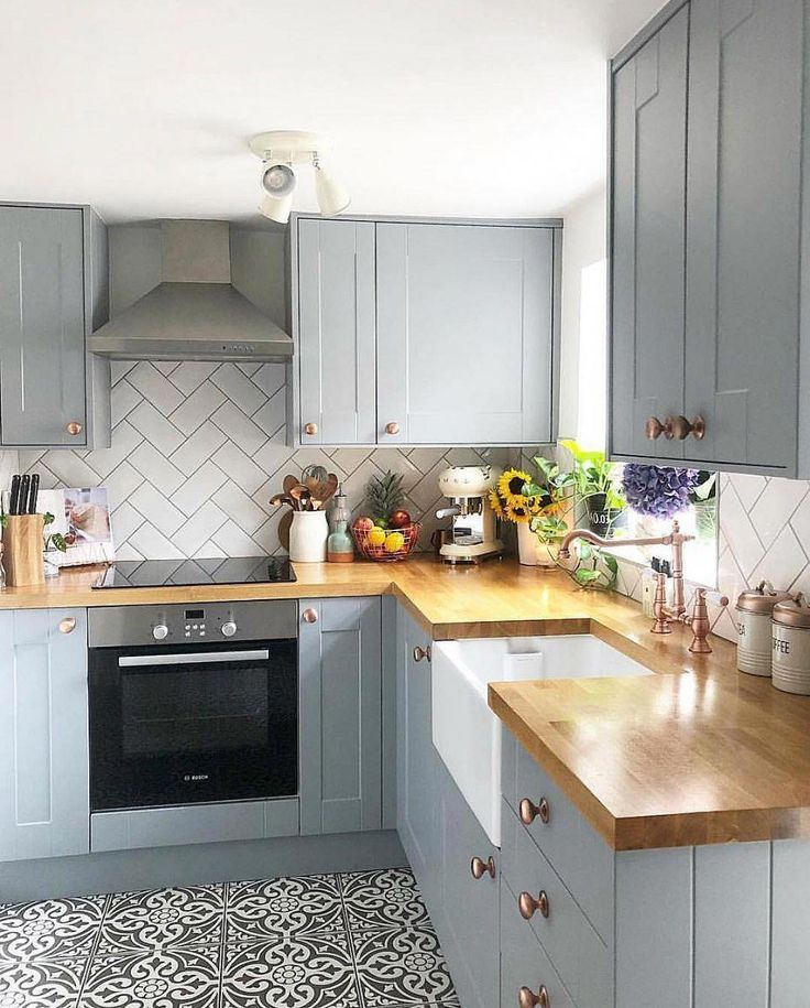 BEFORE & AFTER: A Dark, Dismal Kitchen Is Made Light And Bright
