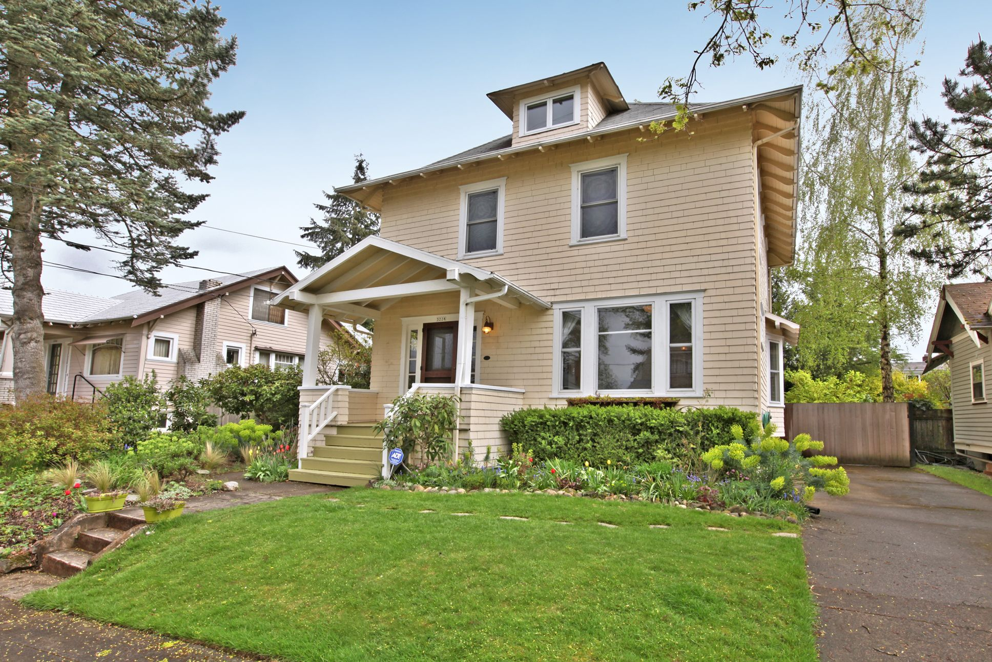 Rose City Old Portland Oregon House House Styles Outdoor Decor