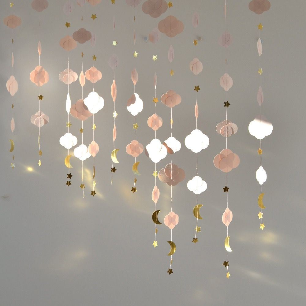 Guirlande nuage rose poudré et doré métallisé  Déco chambre rose