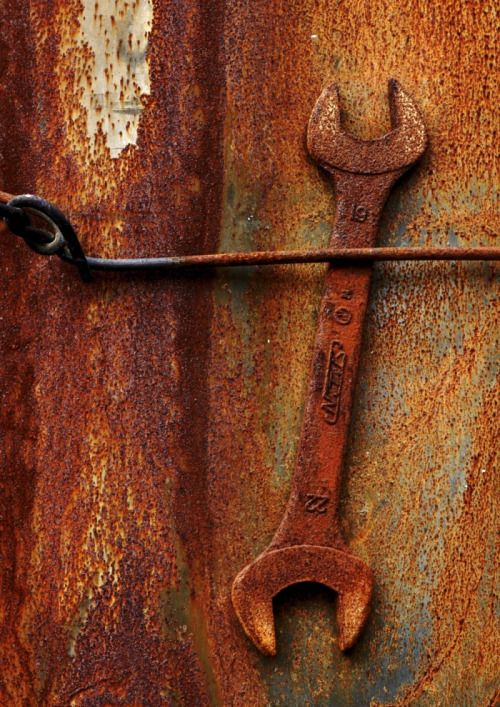 Pin By Lewis F On Rusty With Images Rusty Metal Rusty Rusty