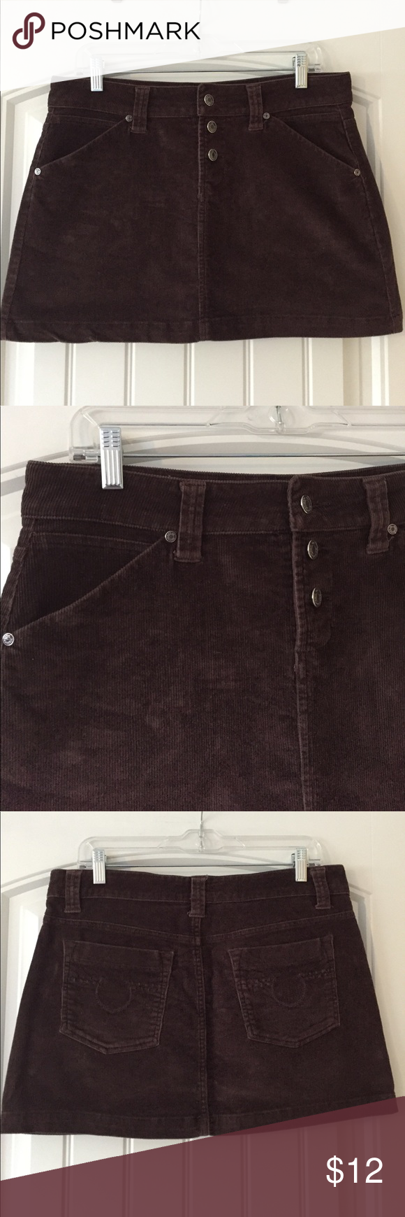 Brown corduroy skirt (juniors 9) Perfect for fall! True brown corduroy mini. 90% cotton 2% spandex. ***All items in my closet are in EUC and come from a smoke free home. Please ask any questions that you have*** No Boundaries Skirts Mini