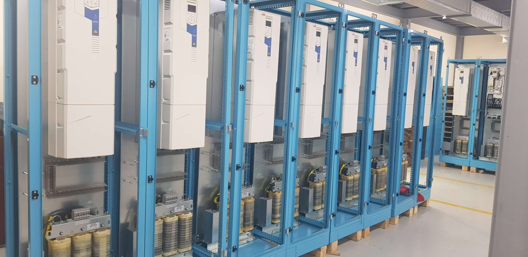 Electrical Cabinet In 2020 Electrical Cabinet Electricity Roll Forming