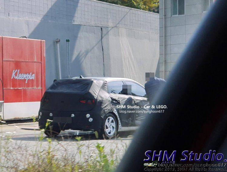 Mid Range 2020 Hyundai I20 With Wheel Caps Spied In S Korea Korea Old Models Spy
