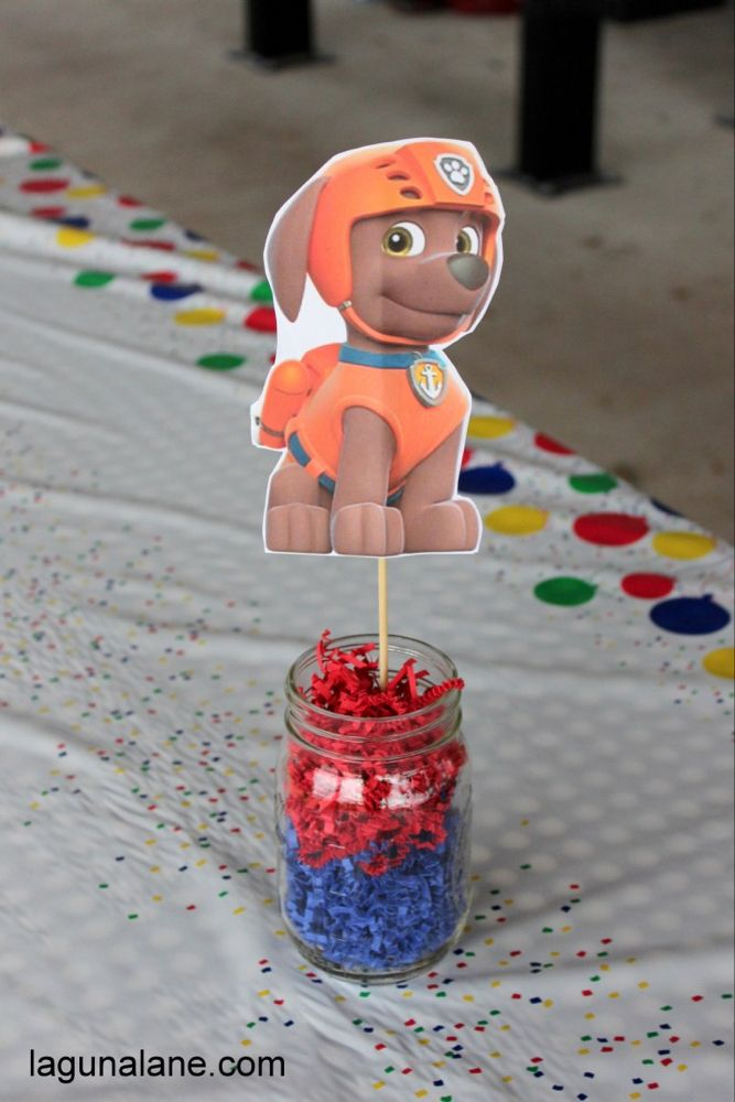 Paw Patrol Party for Kids on a Budget - Paw patrol party decorations, Paw patrol birthday decorations, Paw patrol party, Paw patrol party food, Paw patrol party invitations, Paw patrol decorations - Throw a cute Paw Patrol birthday party on a budget! Avoid the expensive licensed party gear and use these budgetfriendly DIY ideas instead