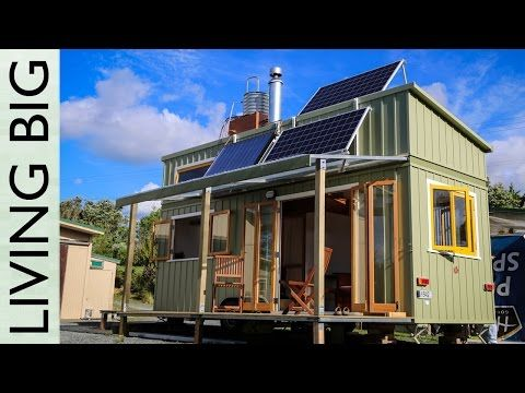This Tiny House Generates Enough Energy To Go Off Grid Jeff Hobbs Tiny House Modern Tiny House Tiny House Plans Off Grid Tiny House