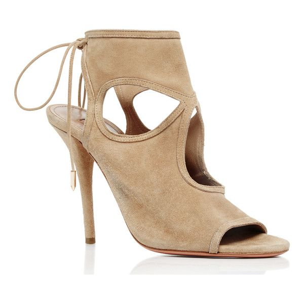 Find the best Nude Sandals on sale right now. Shop our selection from the top fashion stores.