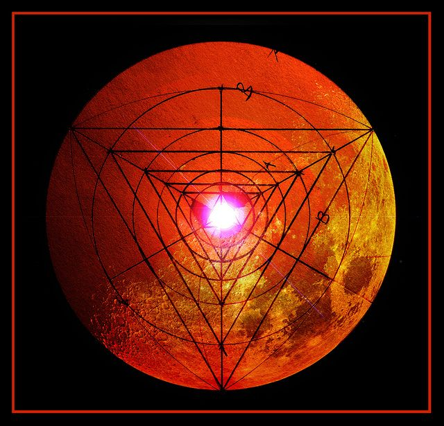 Moon triangle / Sacred Geometry <3