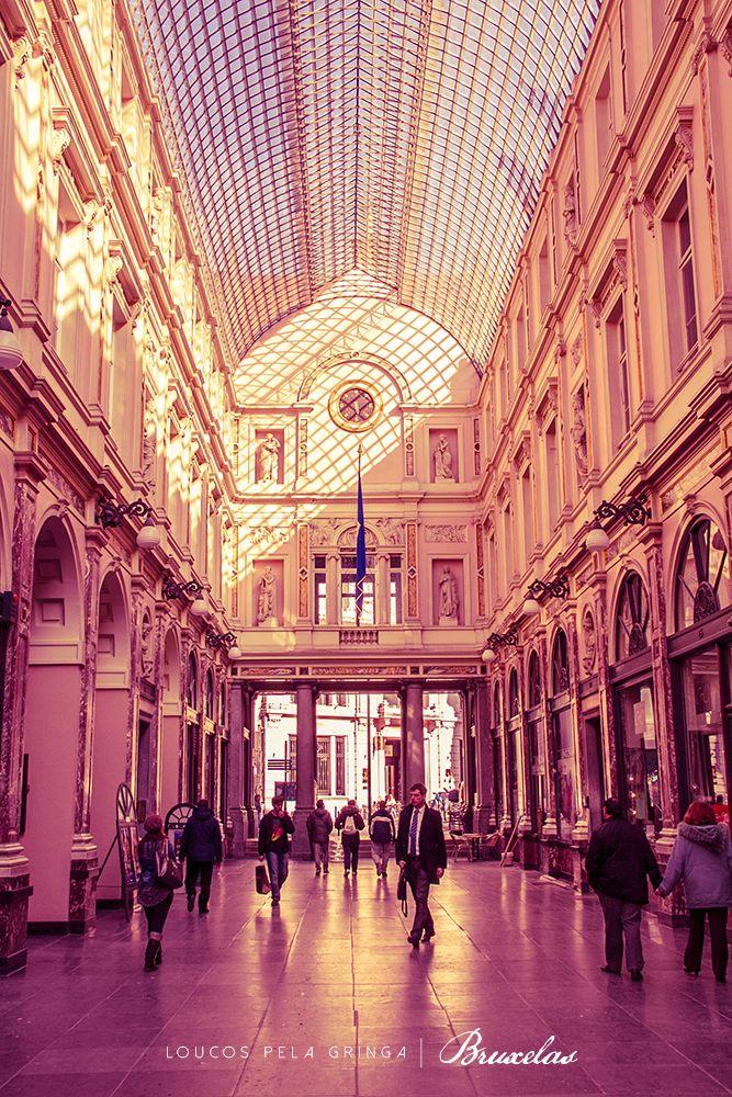 Galeries Royales St. Hubert, Bruxelas, Bélgica. Foi a primeira galeria comercial da Europa.
