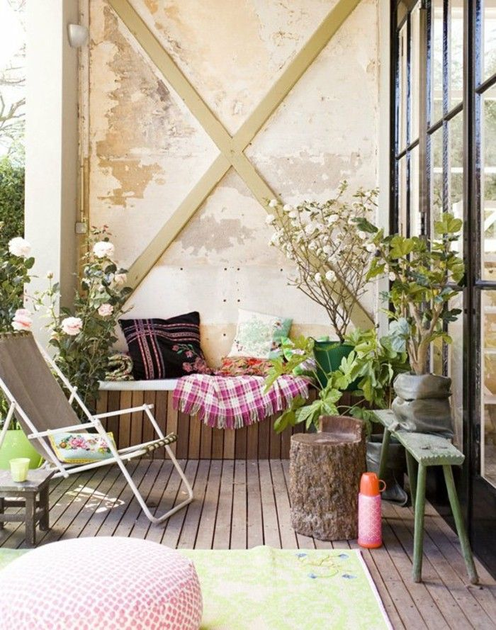 balkon deko industrial wand holzboden gartenstuhl. Black Bedroom Furniture Sets. Home Design Ideas