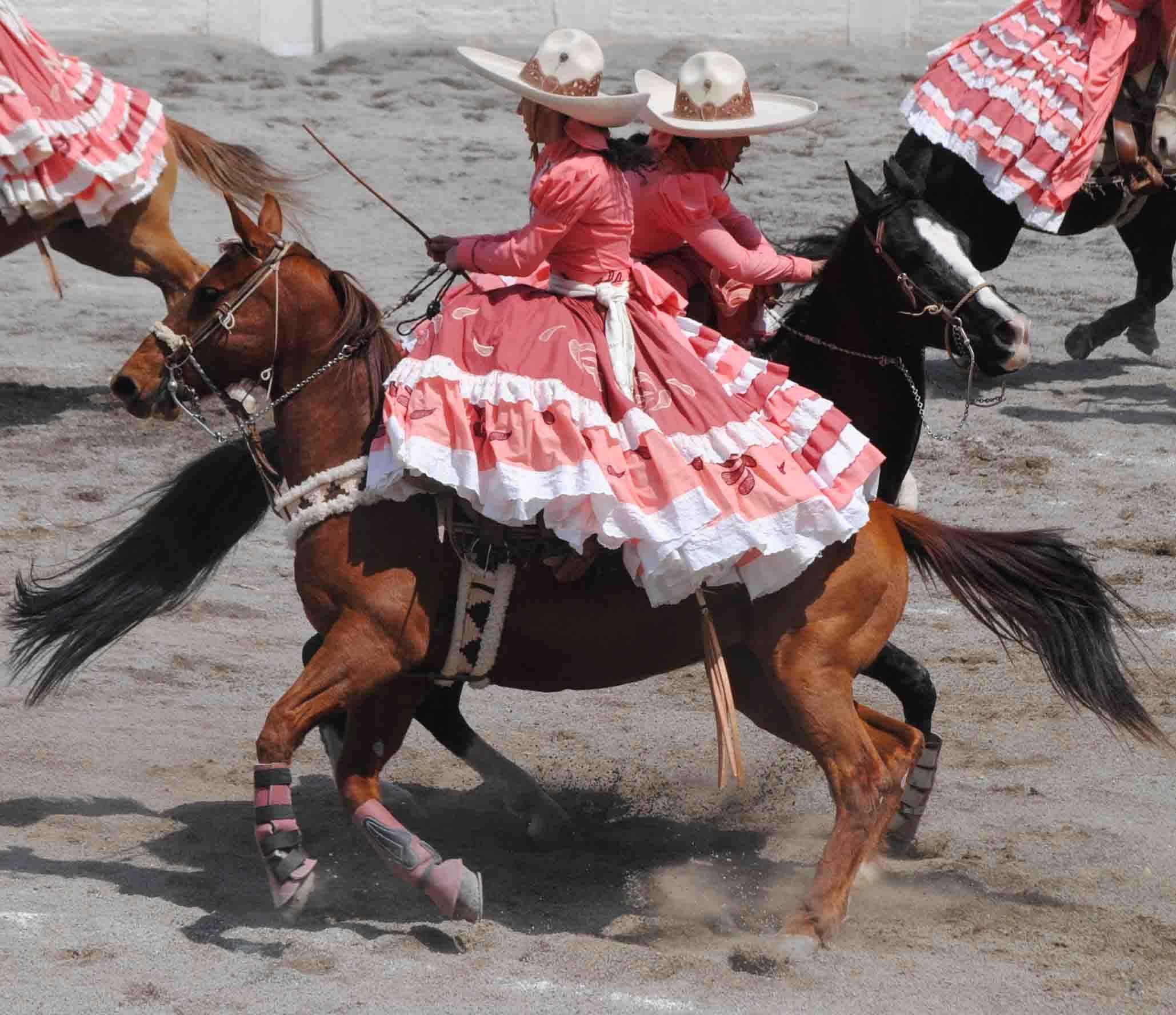 El cruzado de la escaramuza | México | Pinterest | Latin ...