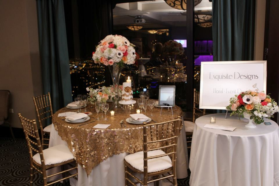 Love This Table Linen Gold Sequin Over White And Chivari Charis
