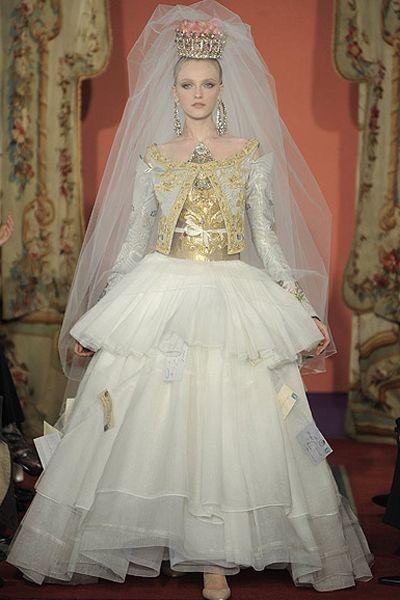 Los 10 vestidos de novia más excéntricos de la alta costura Image: 8 ...