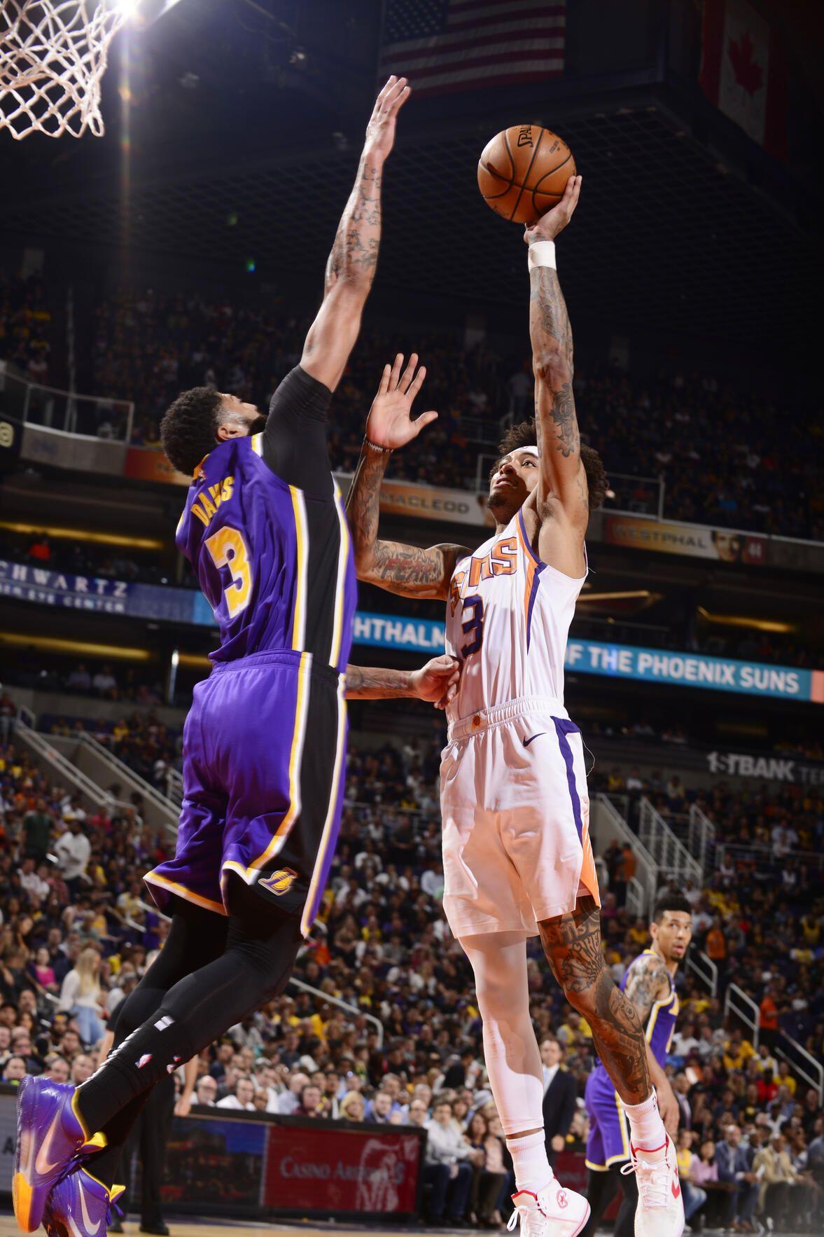 Photos Lakers Vs Suns 11 12 19 Los Angeles Lakers Lakers Vs Los Angeles Lakers Lakers