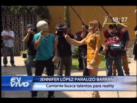 """Jennifer López mostró sus curvas durante el casting del programa """"Q'Viva: The Chosen"""" - http://www.justsong.eu/jennifer-lopez-mostro-sus-curvas-durante-el-casting-del-programa-qviva-the-chosen/"""