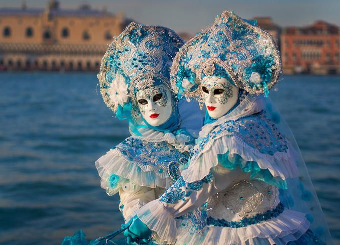 Twins,Venice Mask Festival