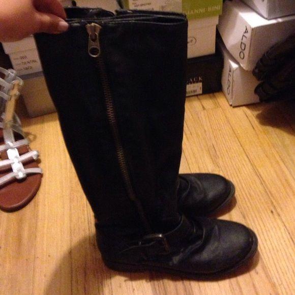 Black boots Great little black boots Shoes