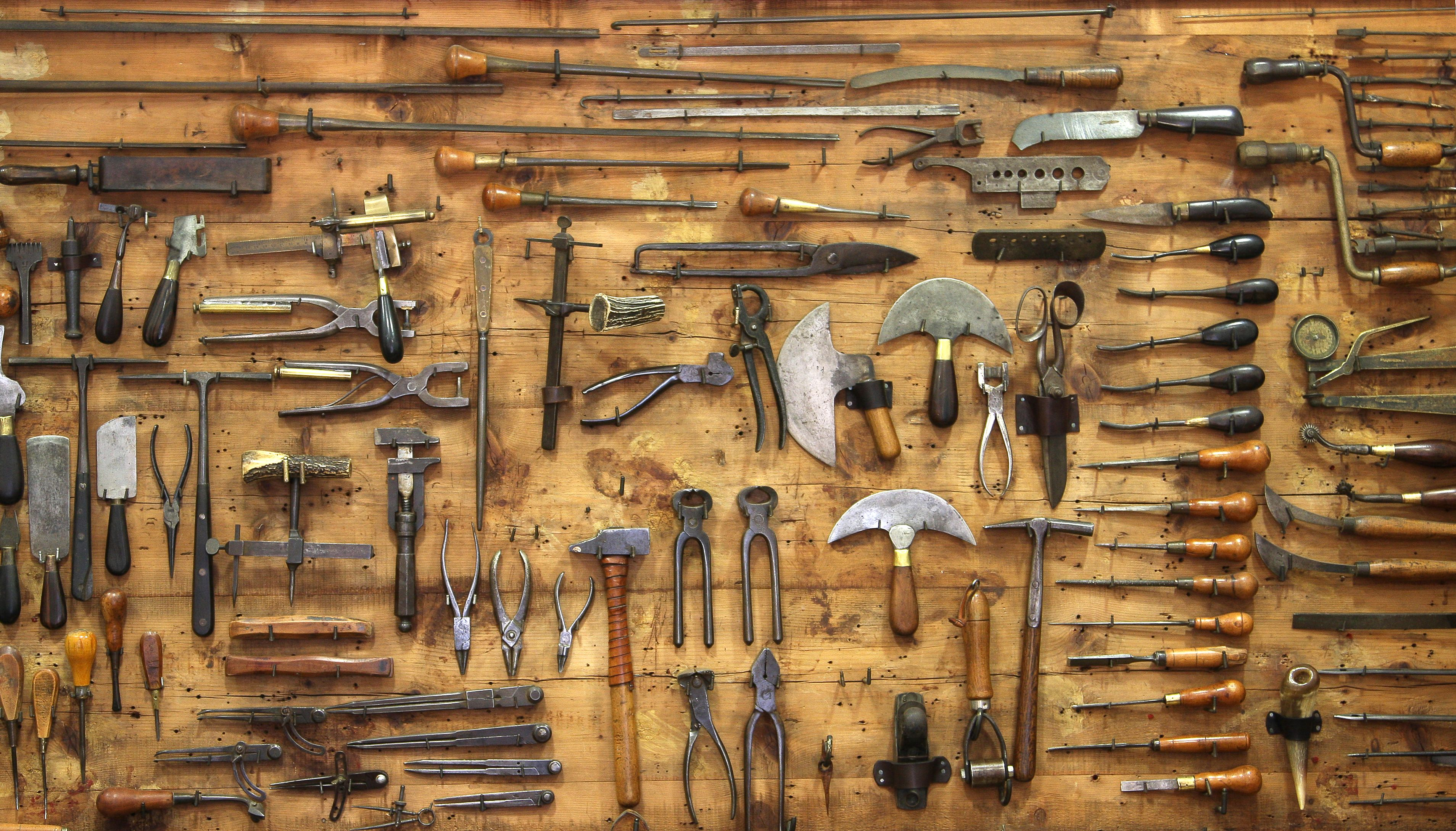 Download Wallpaper Wall Tools Etc Free Desktop Wallpaper In The Resolution 3816x2180 Picture 542084 Tool Artwork Old Tools Free Desktop Wallpaper