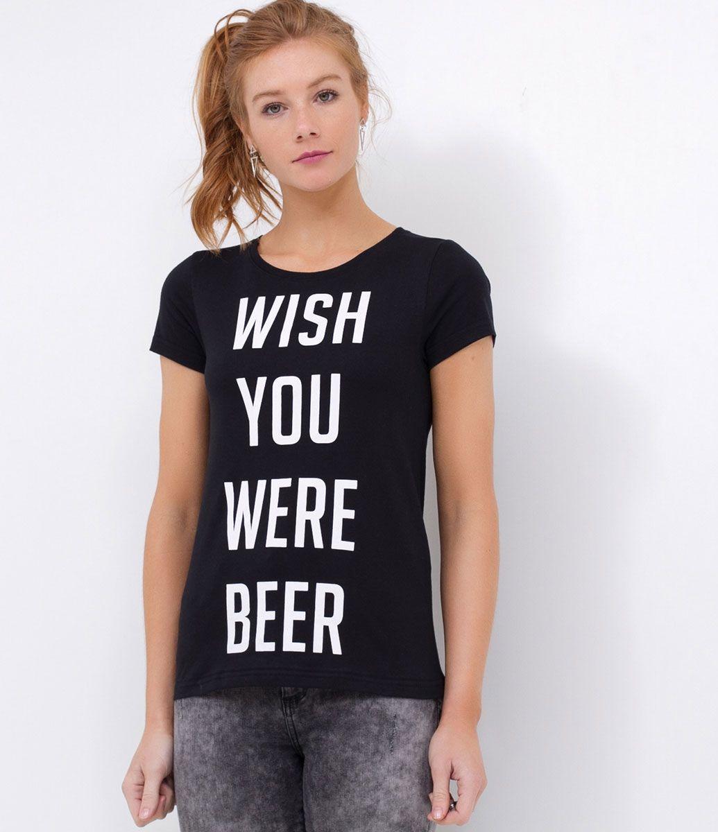 Camiseta preta com frase fun