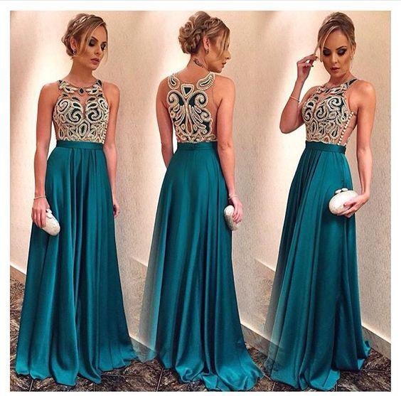 De vestido de festa