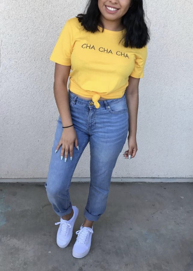 Yellow shirt outfit ☀️