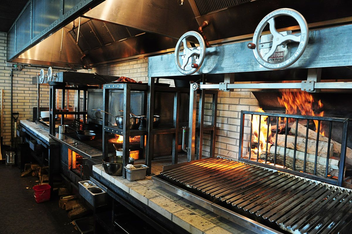Restaurant Kitchen Grill i love this grill setup for outside kitchen | catering kitchen
