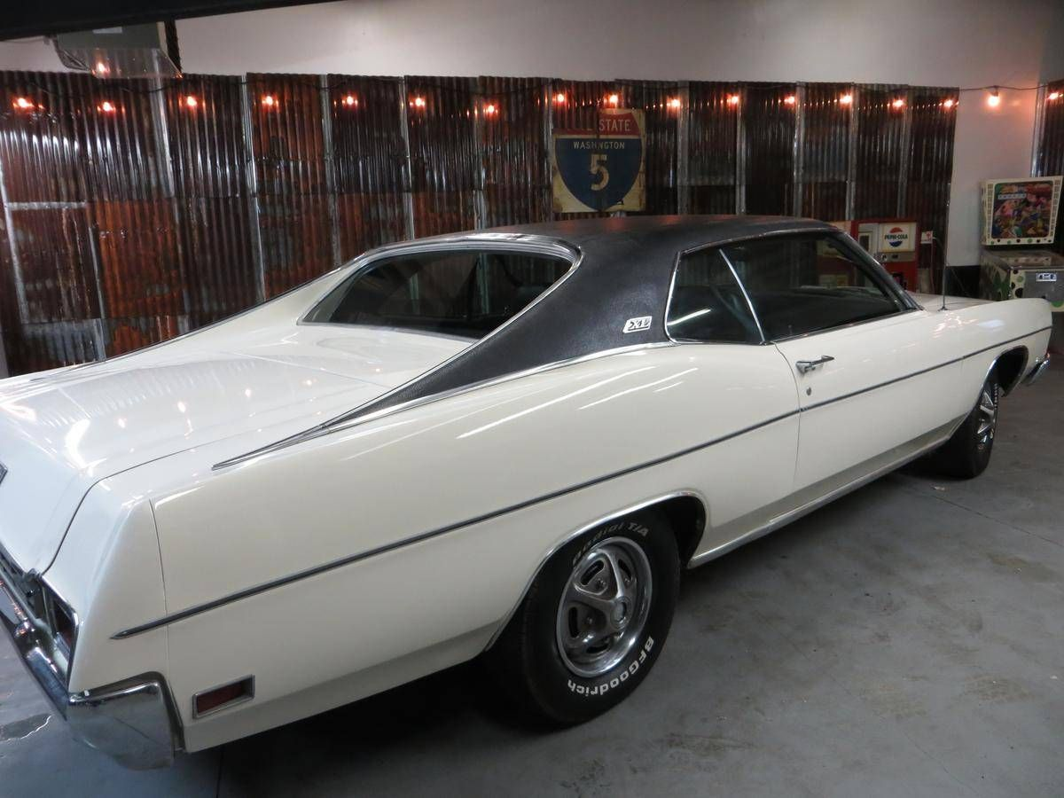 Love This 70 Ford Galaxie Look Especially With The Stock Wheel Covers And Vinyl Top Ford Galaxie Ford Classic Cars Ford