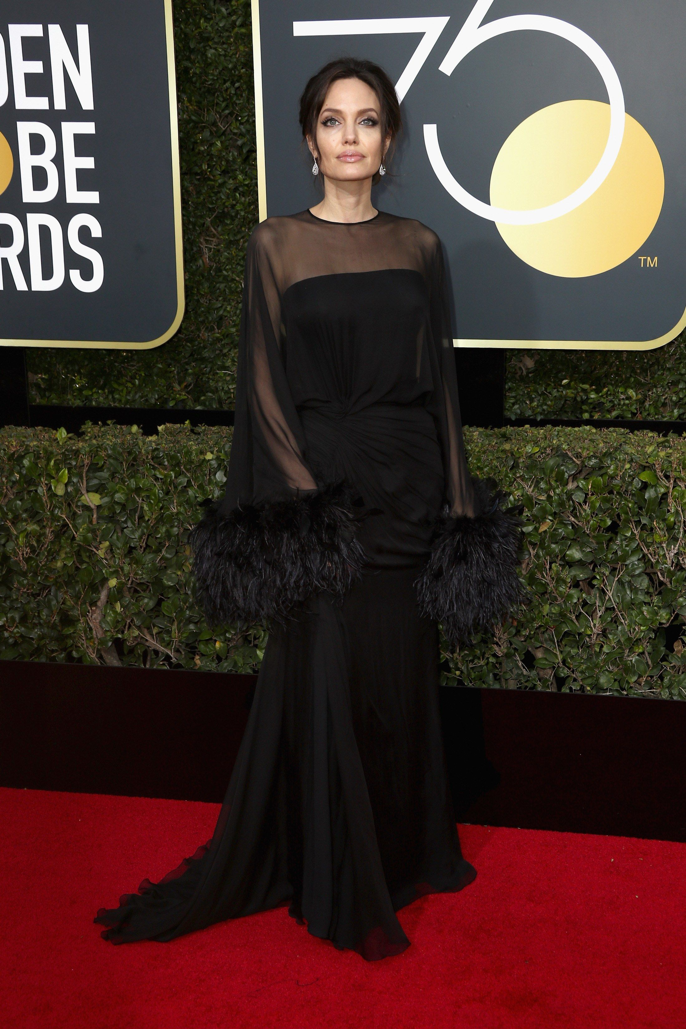 Golden Globes 2018 See Hollywood S Biggest Names Wearing Black Dresses On The Red Carpet Golden Globes Dresses Nice Dresses Golden Globes Fashion