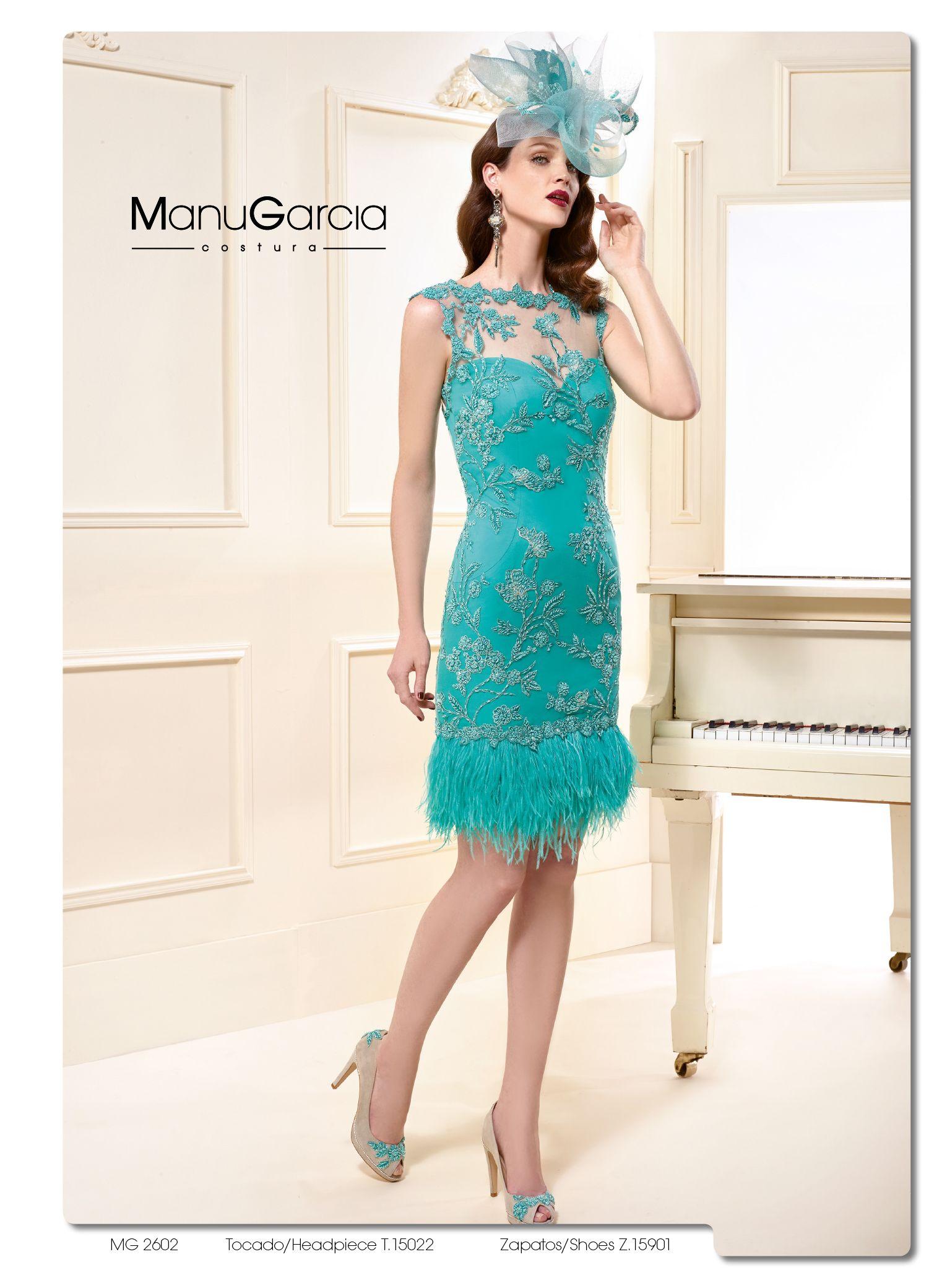 Ideal!! Este vestido corto turquesa con detalle en plumas ...